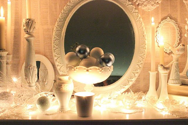 A white Christmas mantel.... - I\'m dreaming of a WHITE CHRISTmas ...