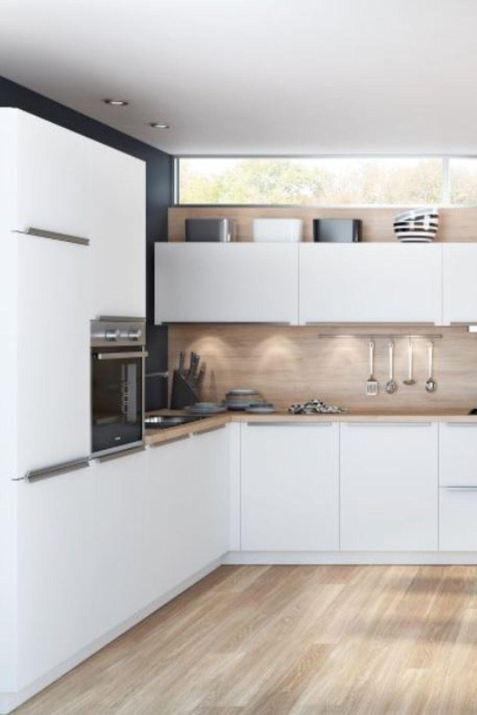 Moderne Familienkuche Helle Lackfronten Mit Holz Kombiniert