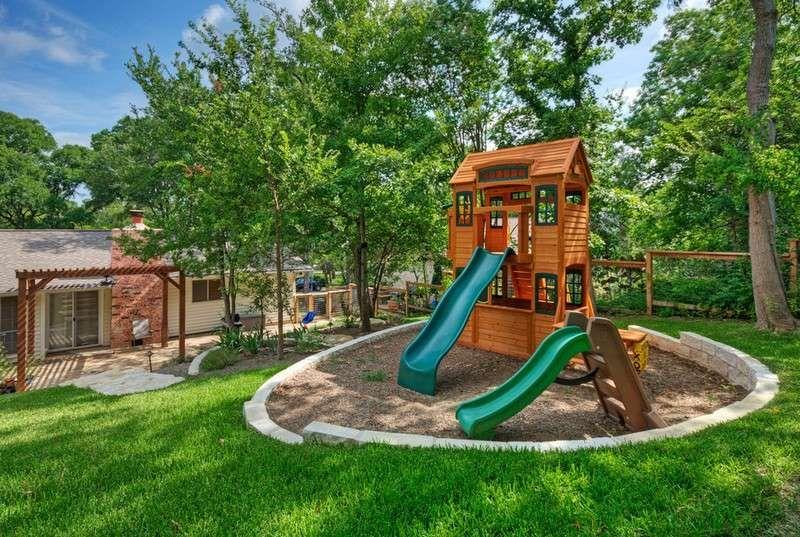 Elegant Kinder Spielplatz   Holzhaus Im Sandkasten