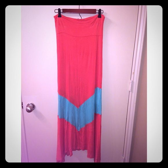 Maxi skirt Maxi skirt coral with Aqua chevron. No trades or PayPalAll serious offers will be considered through the OFFER button. Discounts available on all bundles. Cloudwalk Skirts Maxi
