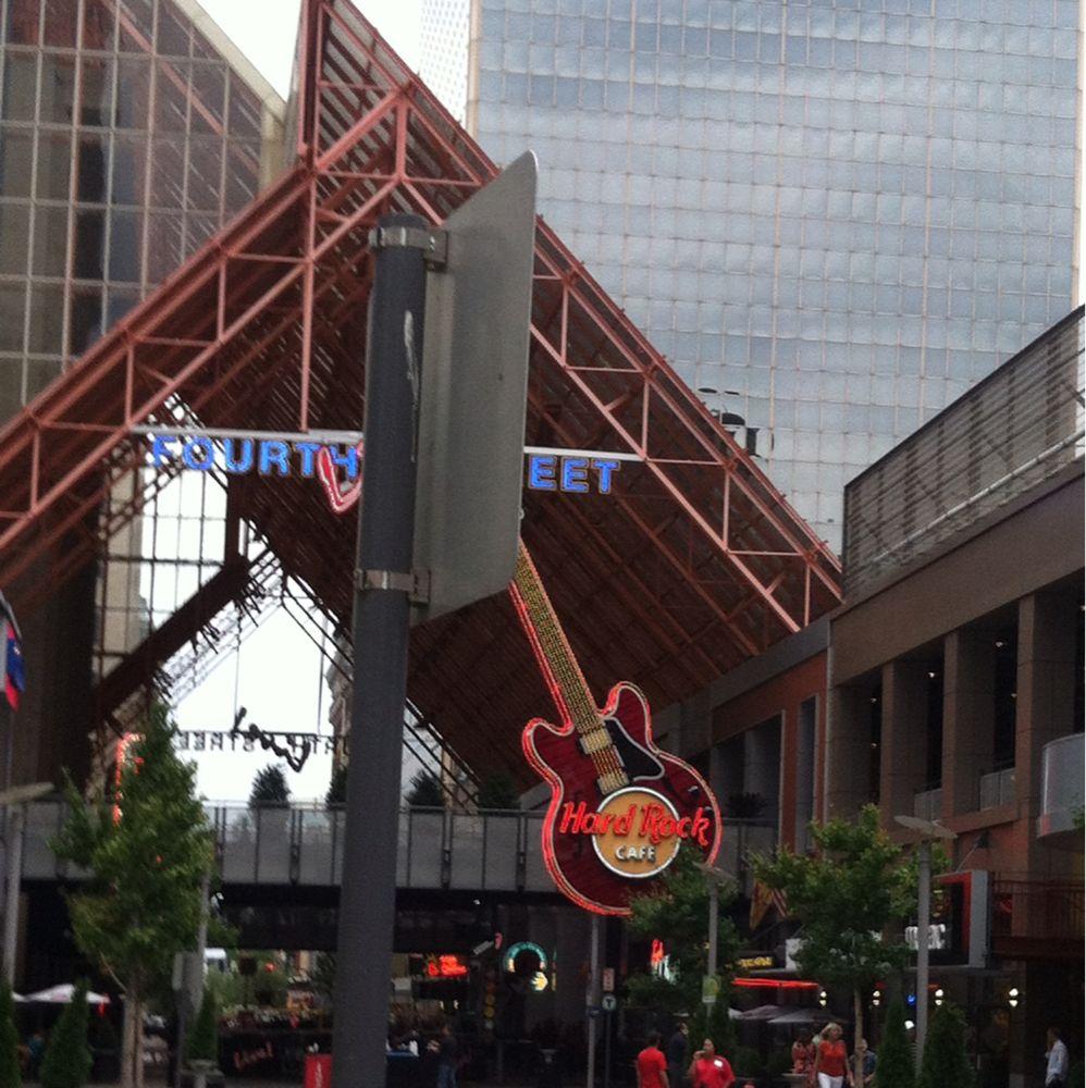 Fourth Street Live Music Bars Restaurants In Louisville 420 W Liberty St