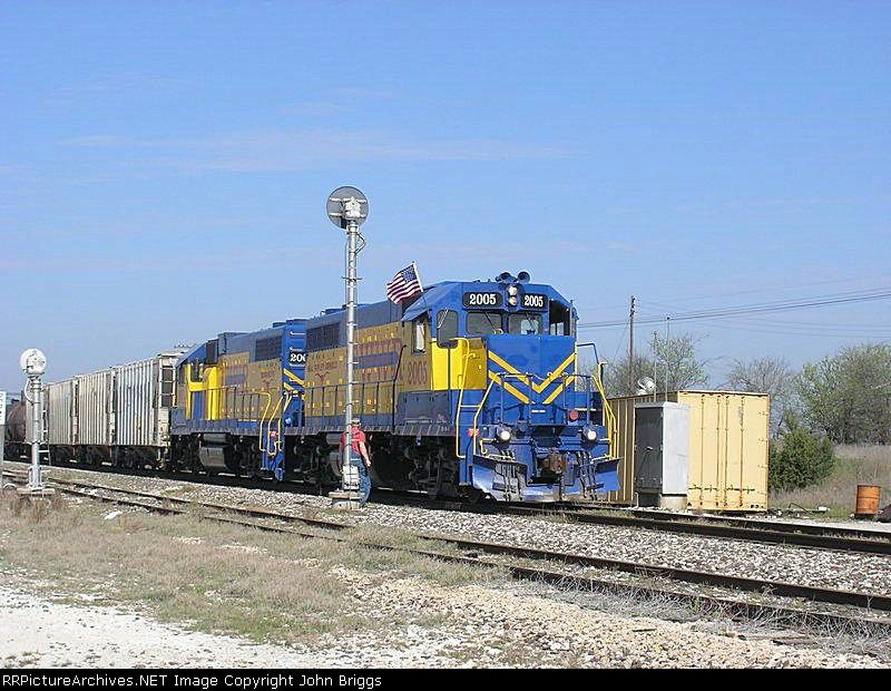 FWWR 2005   Description:    Photo Date:  3/25/2005  Location:  Cresson, TX   Author:  John Briggs  Categories:    Locomotives:  FWWR 2005(GP38-3)