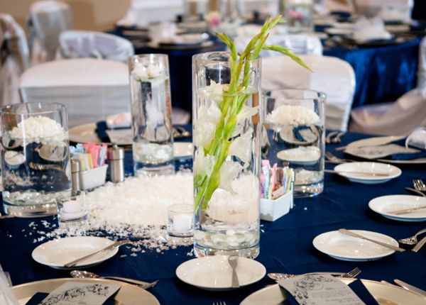 Table Setting Leaves Snow Navy Table Decor Pinterest