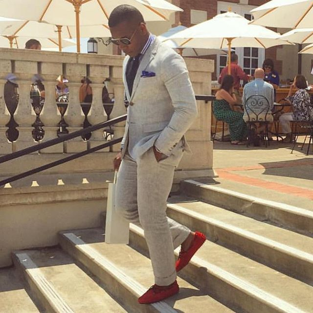 This is how our good friend @mensstylepro wear our red loafers get yours NOW AT WWW.BACHELORSHOES.COM , worldwide shipping ✈️ make sure to follow @mensstylepro