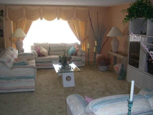 Pin By Kacie Garay On Furniture 1980s Living Room 80s Living Room 80s Furniture