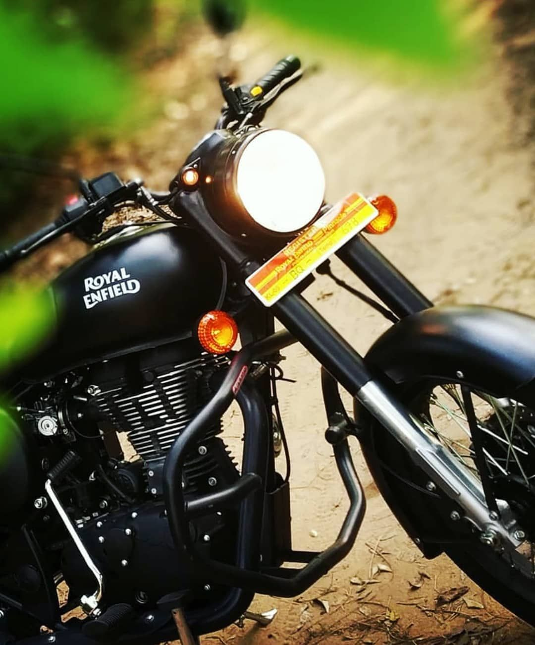 Black Beauty Royalenfield Bullet Bullet Royal Enfield Hd Wallpapers Enfield Classic Bullet Bike Royal Enfield