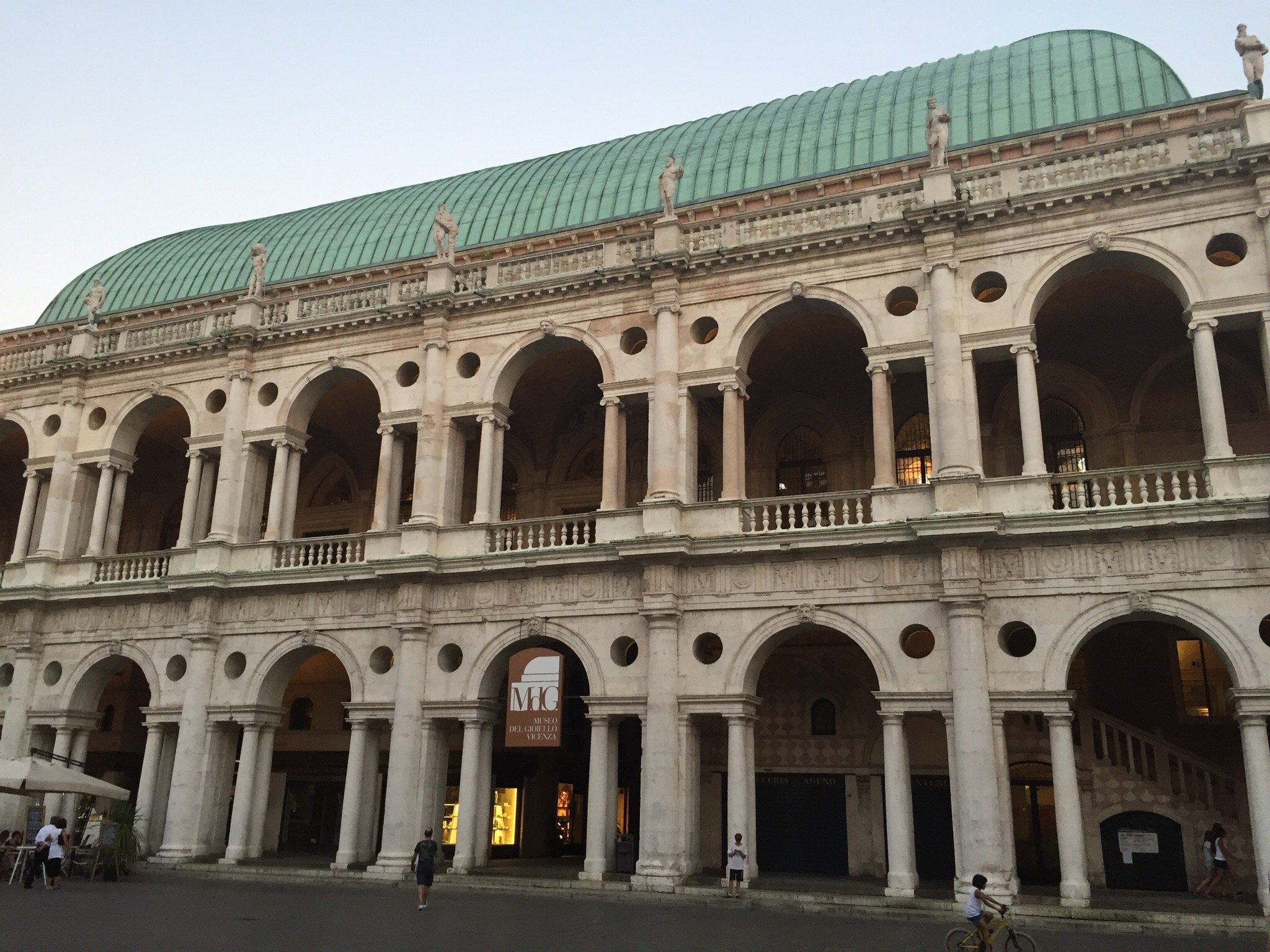 Basilica Palladiana (Vicenza, Italy): Top Tips Before You Go ...