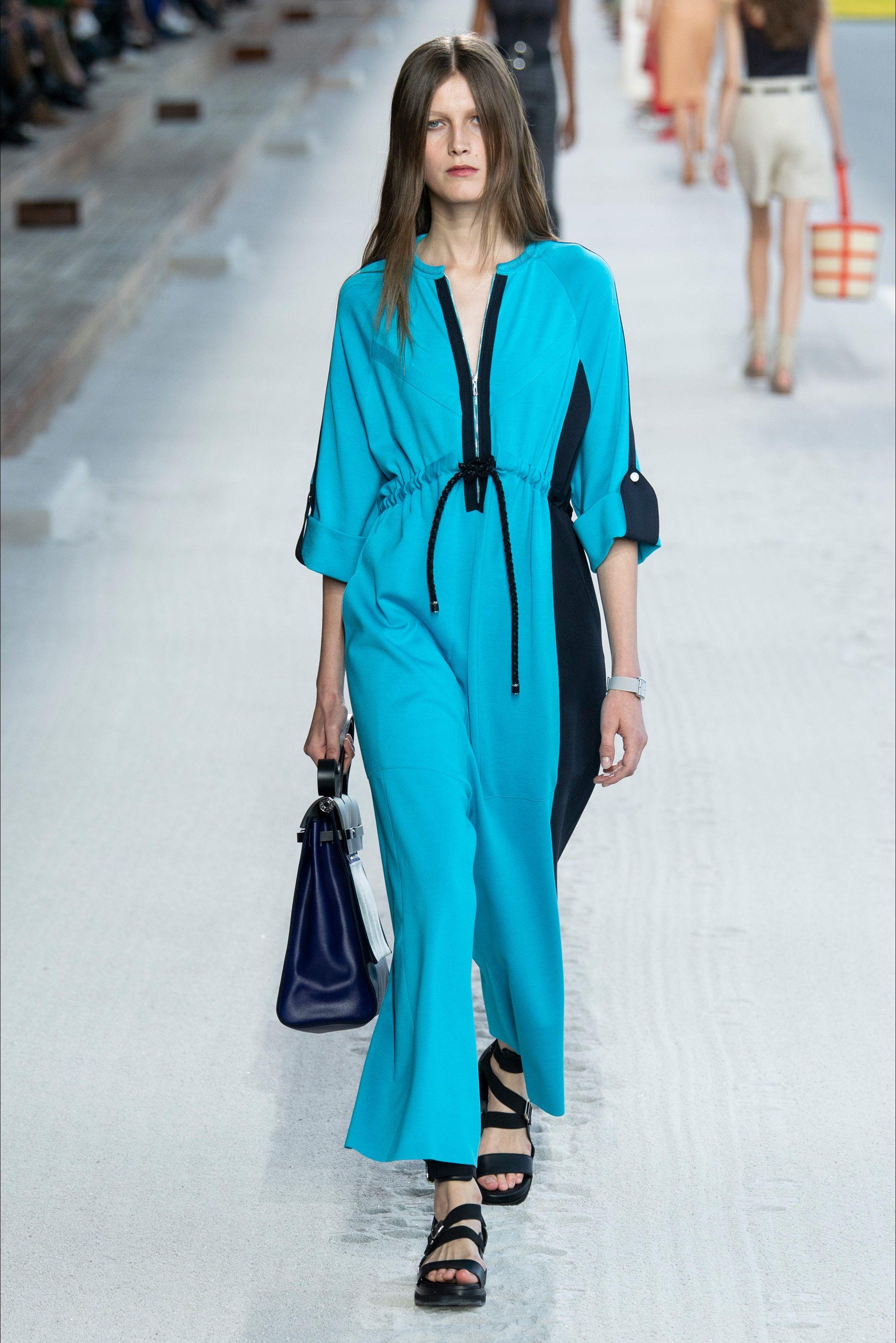 0913ceffb91 Sfilata Hermès Parigi - Collezioni Primavera Estate 2019 - Vogue ...