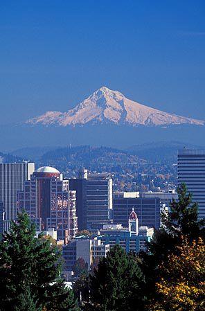 Portland, Oregon Photo Gallery | Away com View from the Rose Gardens
