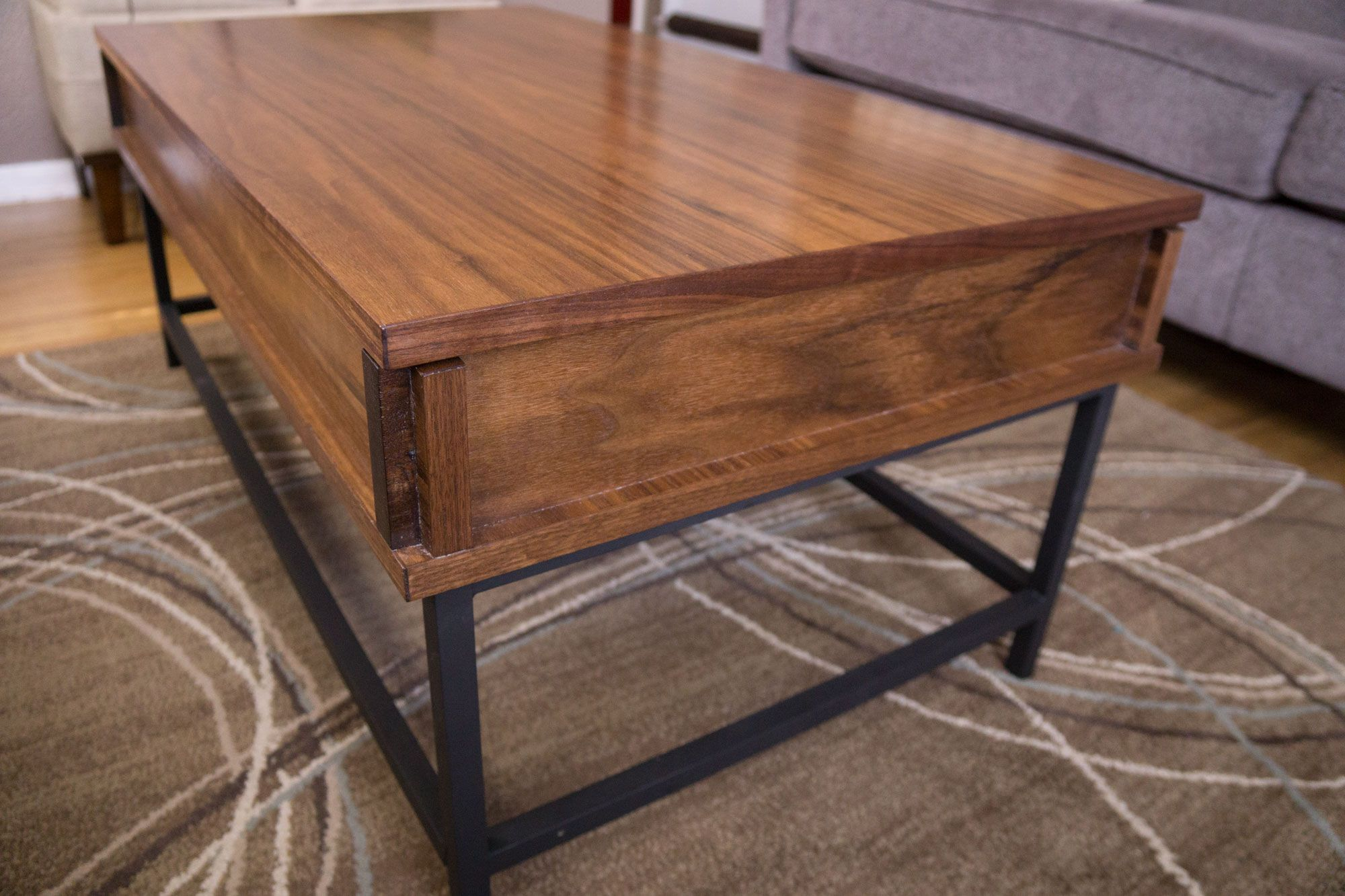 For This Easy Woodworking Project I M Making A Coffee Table With Lift Top Mechanism And Aluminum Legs The Allows Bringing Up To