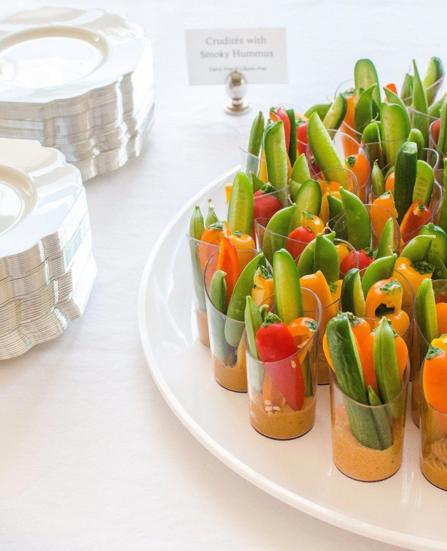 Ein DIY-Hochzeitsempfang für 200: Der Partyplan   – Wedding Catering Ideas