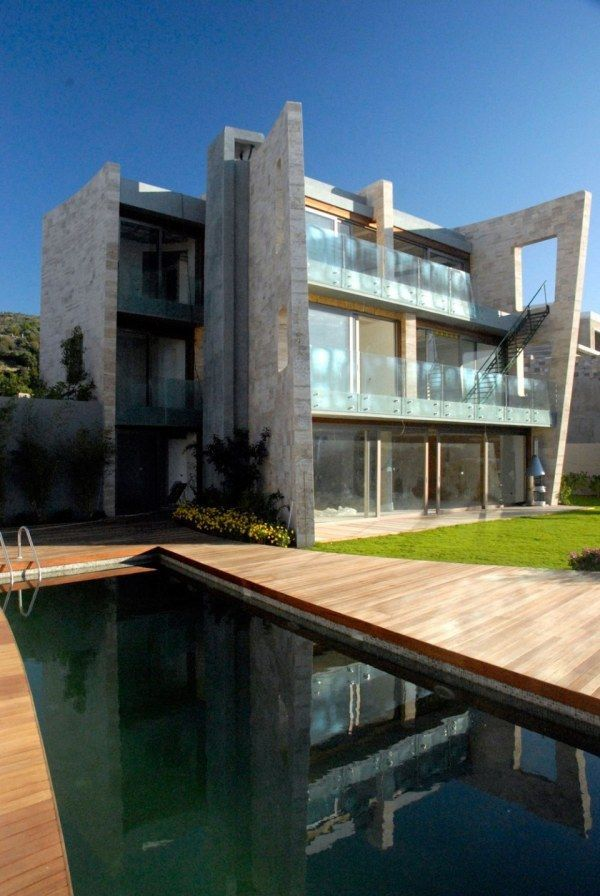 Modern House Inspired By Medieval Castles Freshome Com Best Modern House Design Architecture Cool House Designs