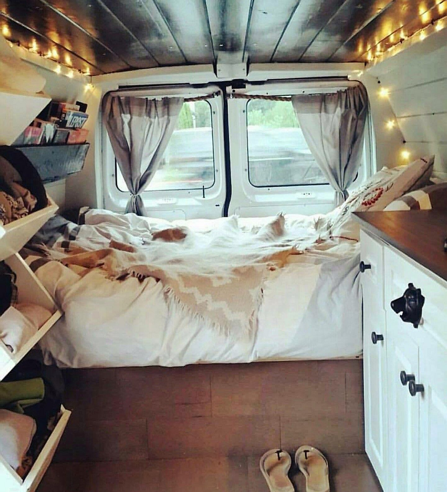 diy camper van conversion to make your road trips awesome no 22 camper build pinterest. Black Bedroom Furniture Sets. Home Design Ideas