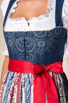 Gössl Online-Shop - Blaudruckdirndl - Dirndlkleider - Dirndl