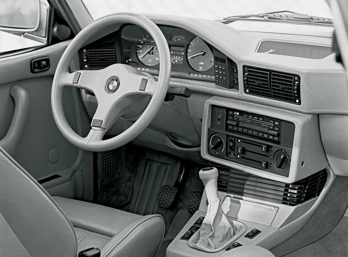 Bmw 5 Series E28 In A Rare Color Centre Console That Indicates Air Conditioning