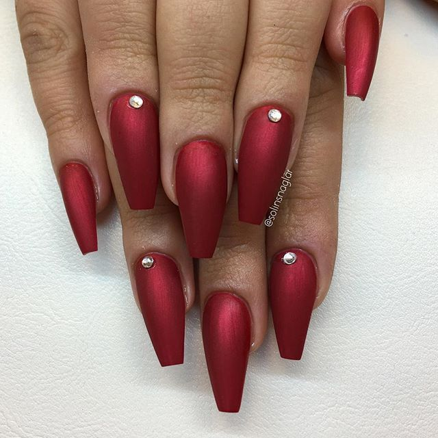 Candy Red I Matt Finns Hos Lillynails Cute Nails Nails Coffin