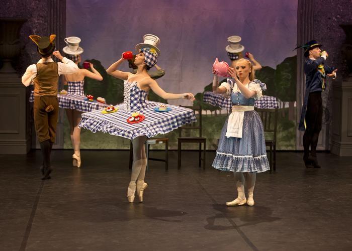 Ballet Theatre Uk In Alice In Wonderland Photo Dance Europe