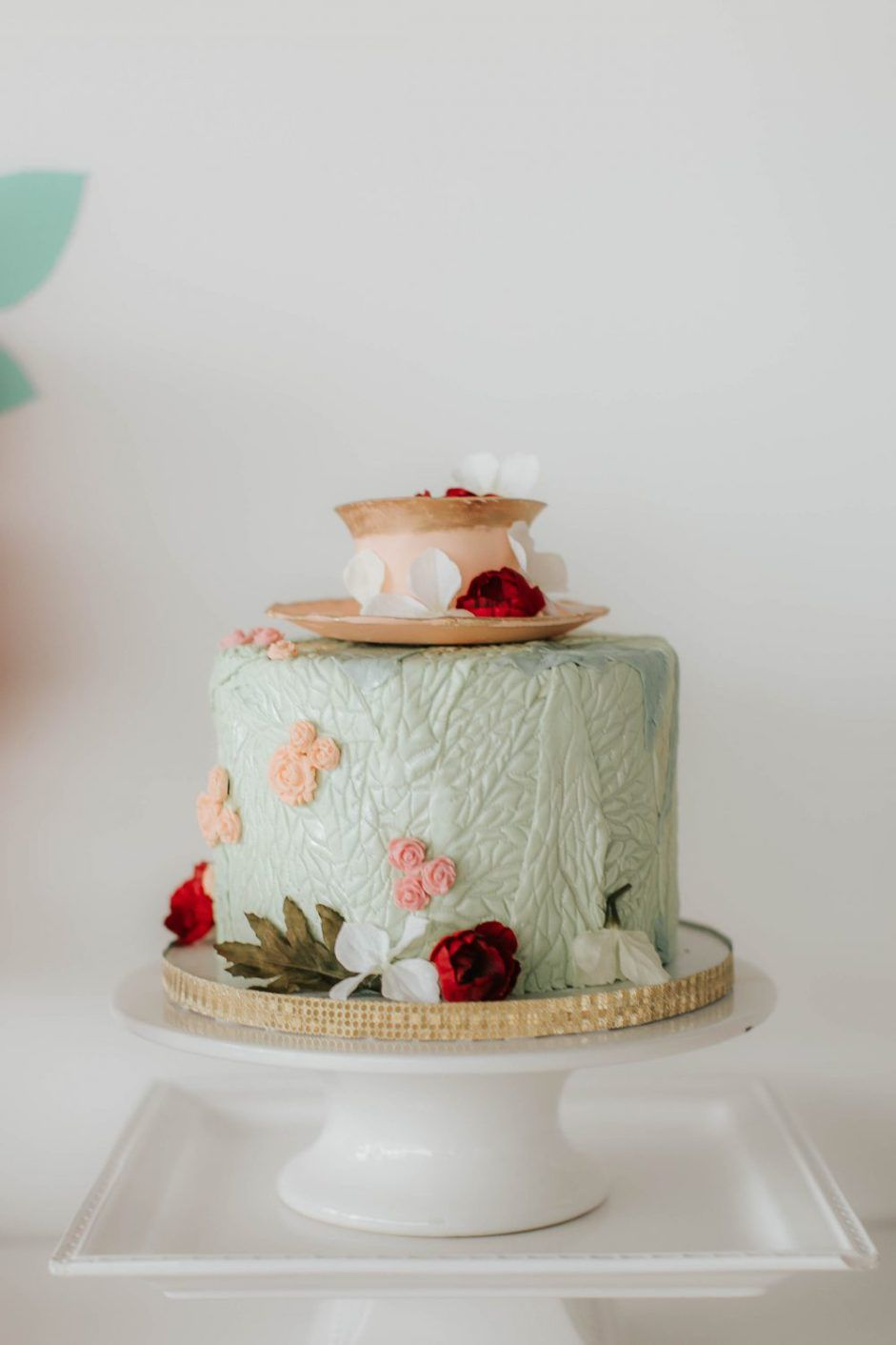 Mint and Peach Floral Tea Party Themed Baby Shower | Teeparty, Zur ...