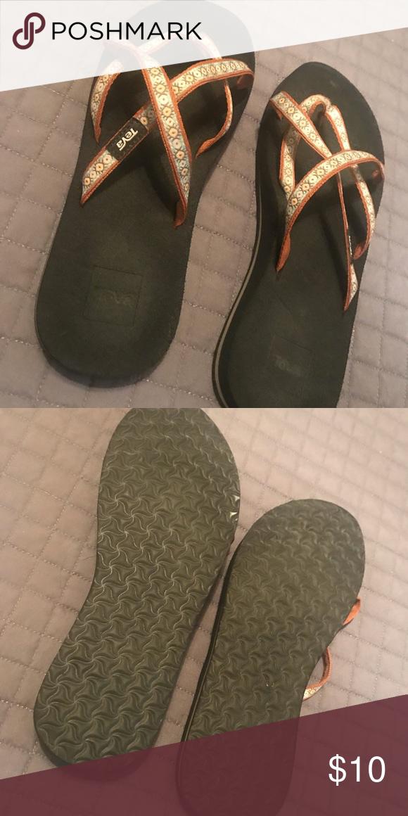 Rarely Worn Teva Sandals Size 8 Teva Sandals Sandals Teva Shoes
