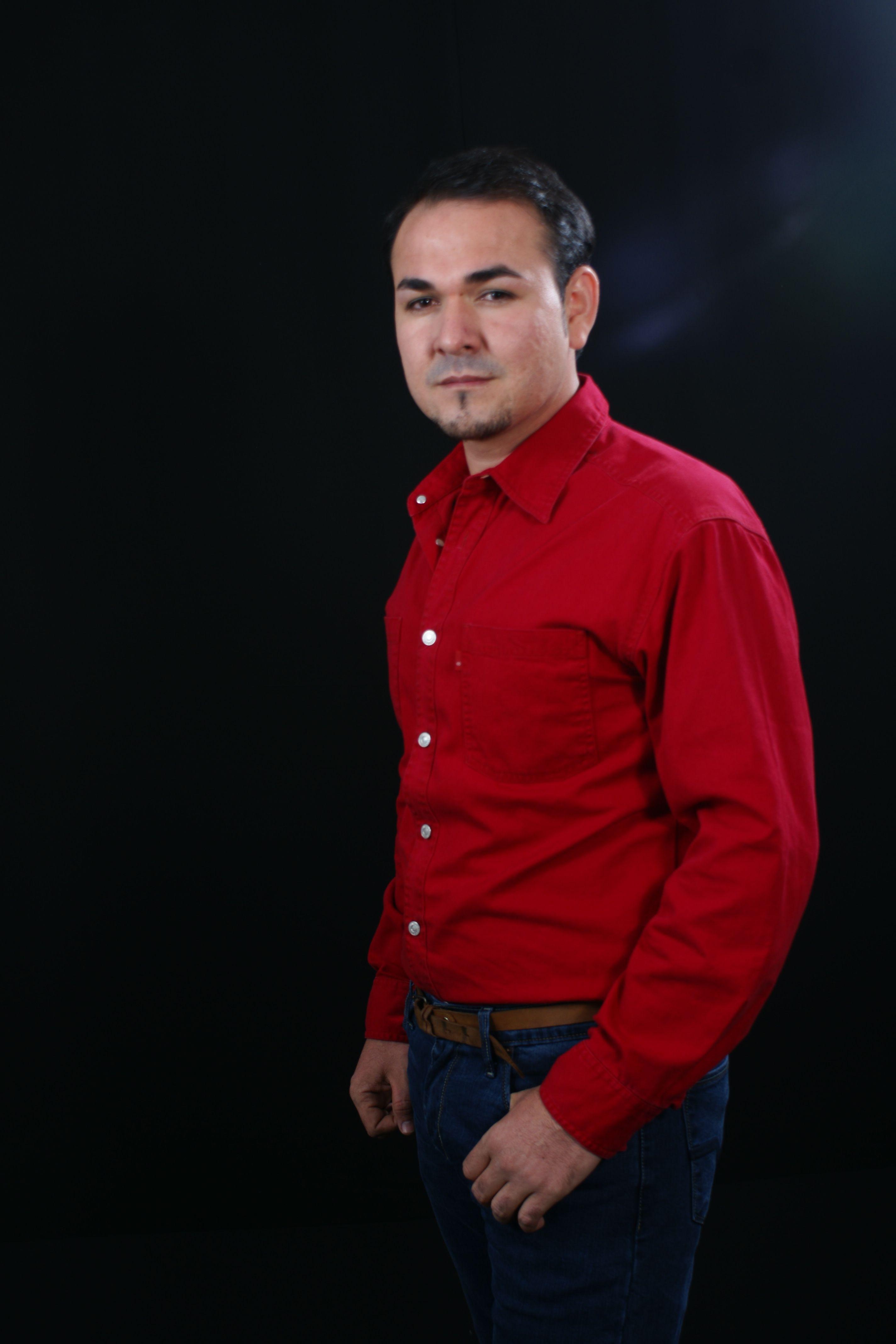 selección mundial de venta más caliente estética de lujo Camisa roja Pantalon azul   Moda y gustos.   Camisa roja ...