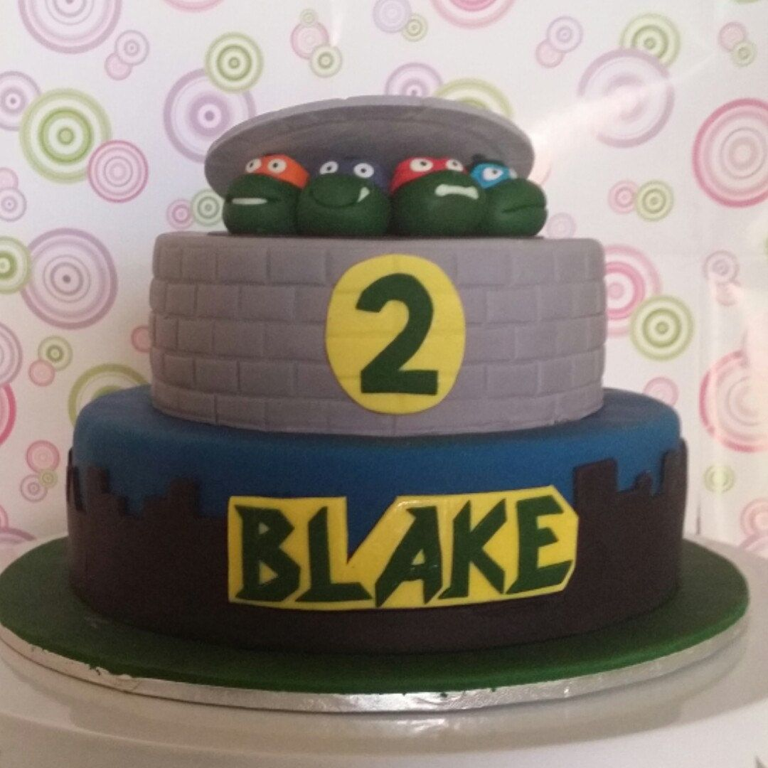 Funkycakedesigns shared a new photo on etsy edible cake