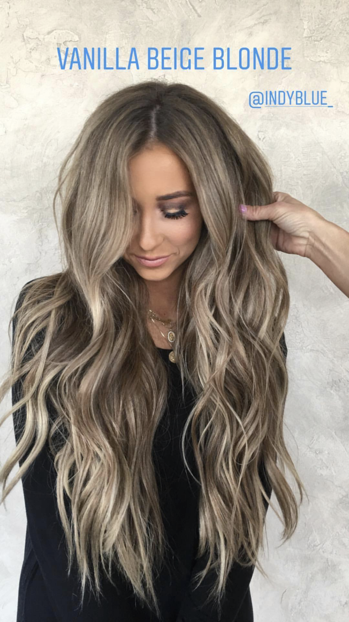 Indy Blue Vanilla Beige Blonde Hair Color Hairstyles Beachy Waves Indyblue Hairby Chrissy Beige Blonde Hair Hair Styles Beige Hair