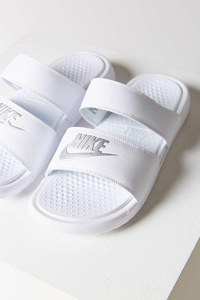 pretty nice 10a87 2cc00 champs nike shoes nike flyknit mens shoes