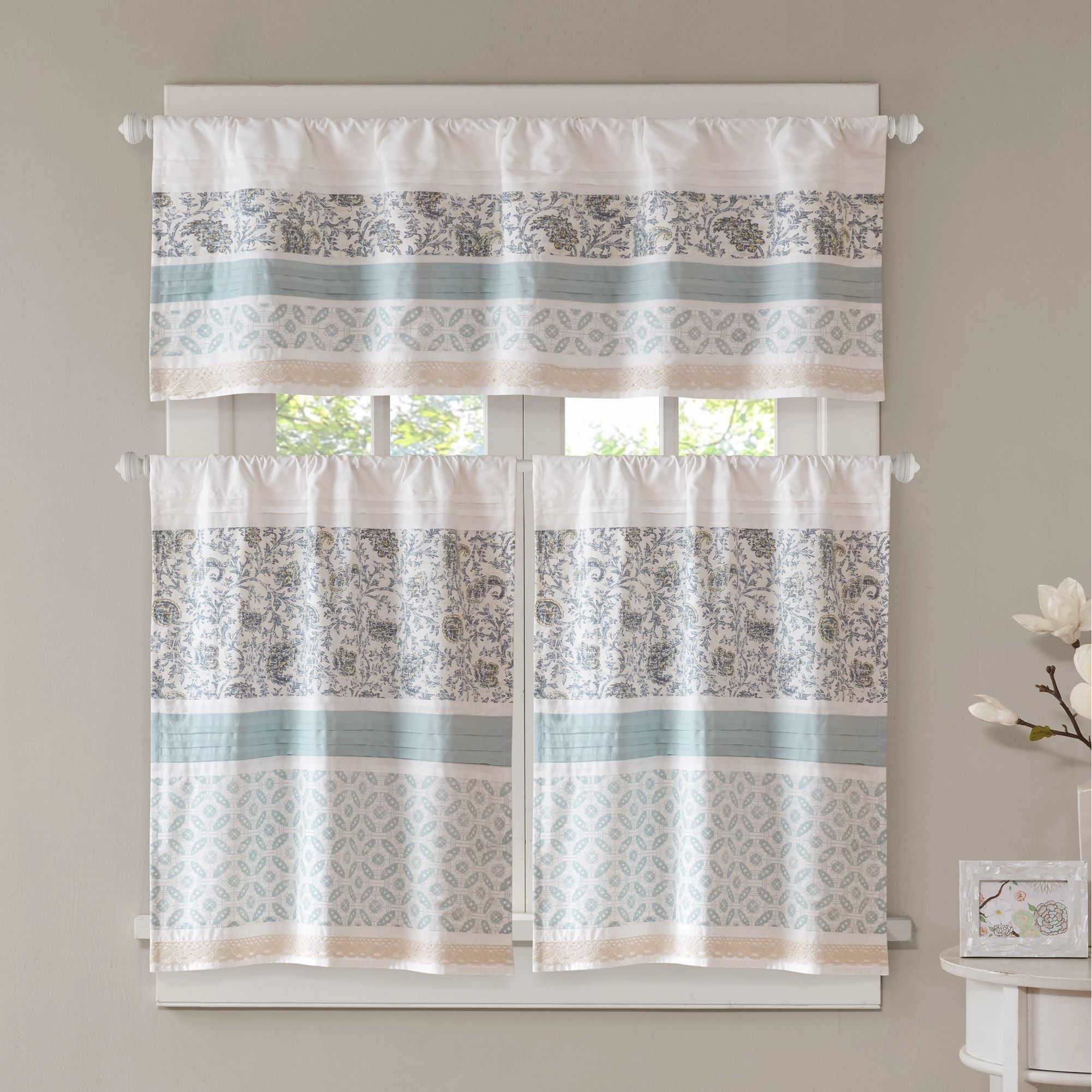 Kitchen window curtain  Madison Park Vanessa Printed and Pieced Rod Pocket Cotton Kitchen