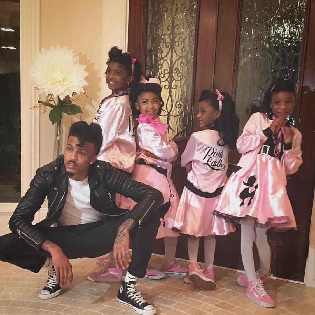 """August Alsina And His Nieces. Their Hair Is On Point"