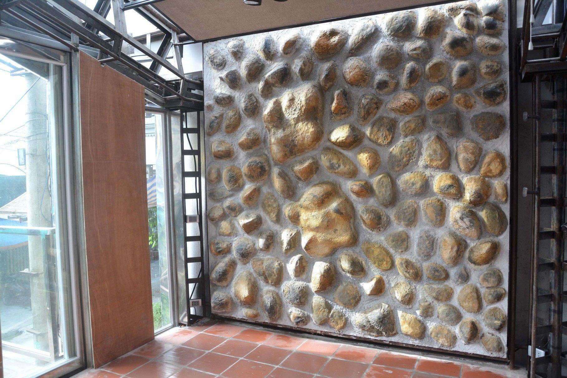 Steinwand Aus Unbrennbaren Styropor Raumdesign Wande Raum Und