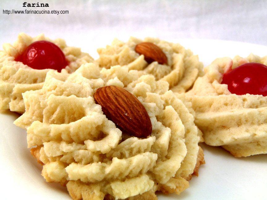 Pasticcini alle Mandorle Italian Cookies.