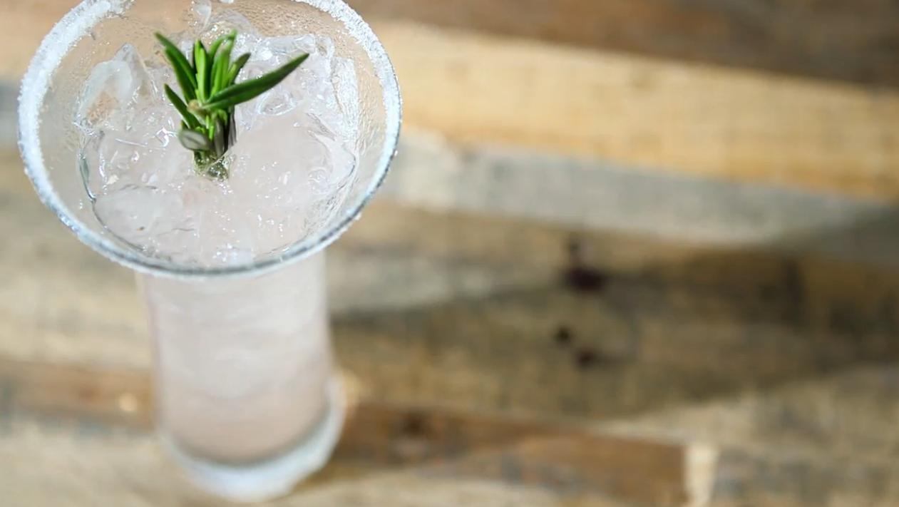 Une recette de cocktail facile avec du pamplemouss...