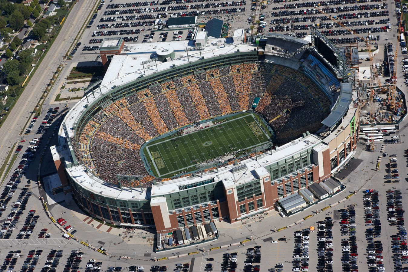 Lambeau Field Green Bay With Images Nfl Stadiums Football Stadiums Green Bay