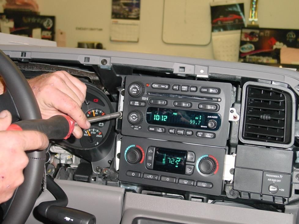 20032007 Chevrolet Silverado and GMC Sierra extended cab