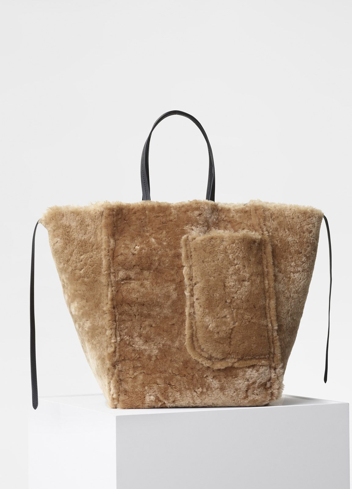 662c5a3b24a Large Cabas Phantom Bag in Shearling - Céline