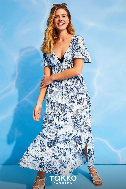 Modische Sommerlooks Fur Frauen Langes Luftiges Kleid In Blau Und Weiss Kleider Damen Damenkleider Kleider