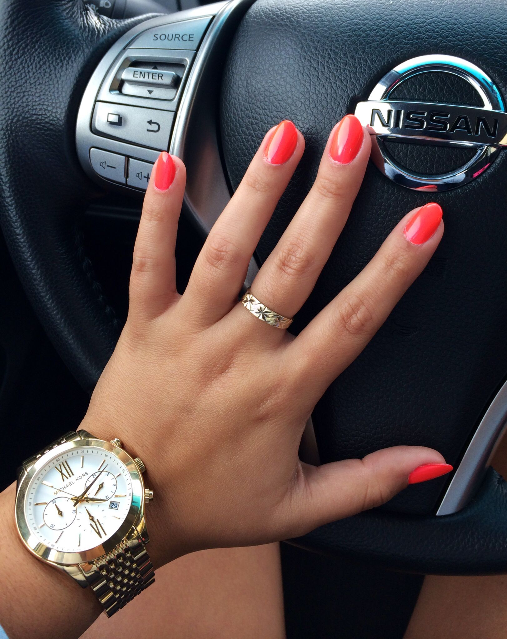 Opi neon 2014 - Down To The Core-al / short almond nails \\ Natural ...