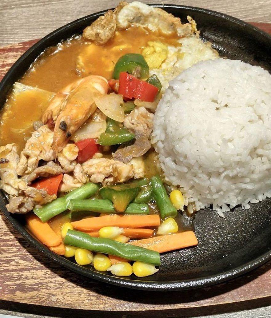 Korean BBQ Rice ala waroenkkito  Makan siang anda dijamin maknyus Pesan dan hubungi free delivery 0878 8667 3072 WA tersedia Jam Buka  10002200 Senin  Minggu Menerima pes...
