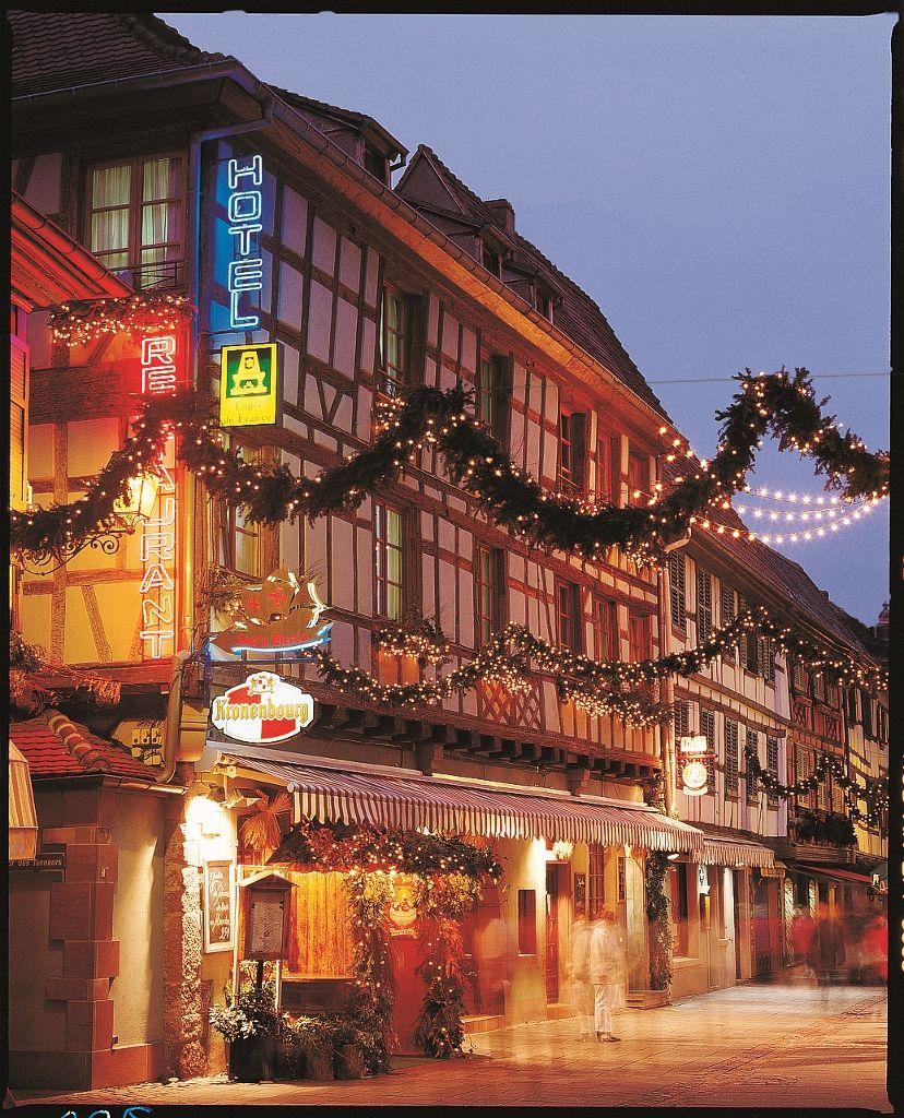 L'hotel Sainte Odile au coeur de Obernai en Alsace. Idéalement situé entre route des vins et route des Crêtes dans le Bas-Rhin. Vous pourrez découvrir la typique cuisine alsacienne du restaurant Santa Maria.