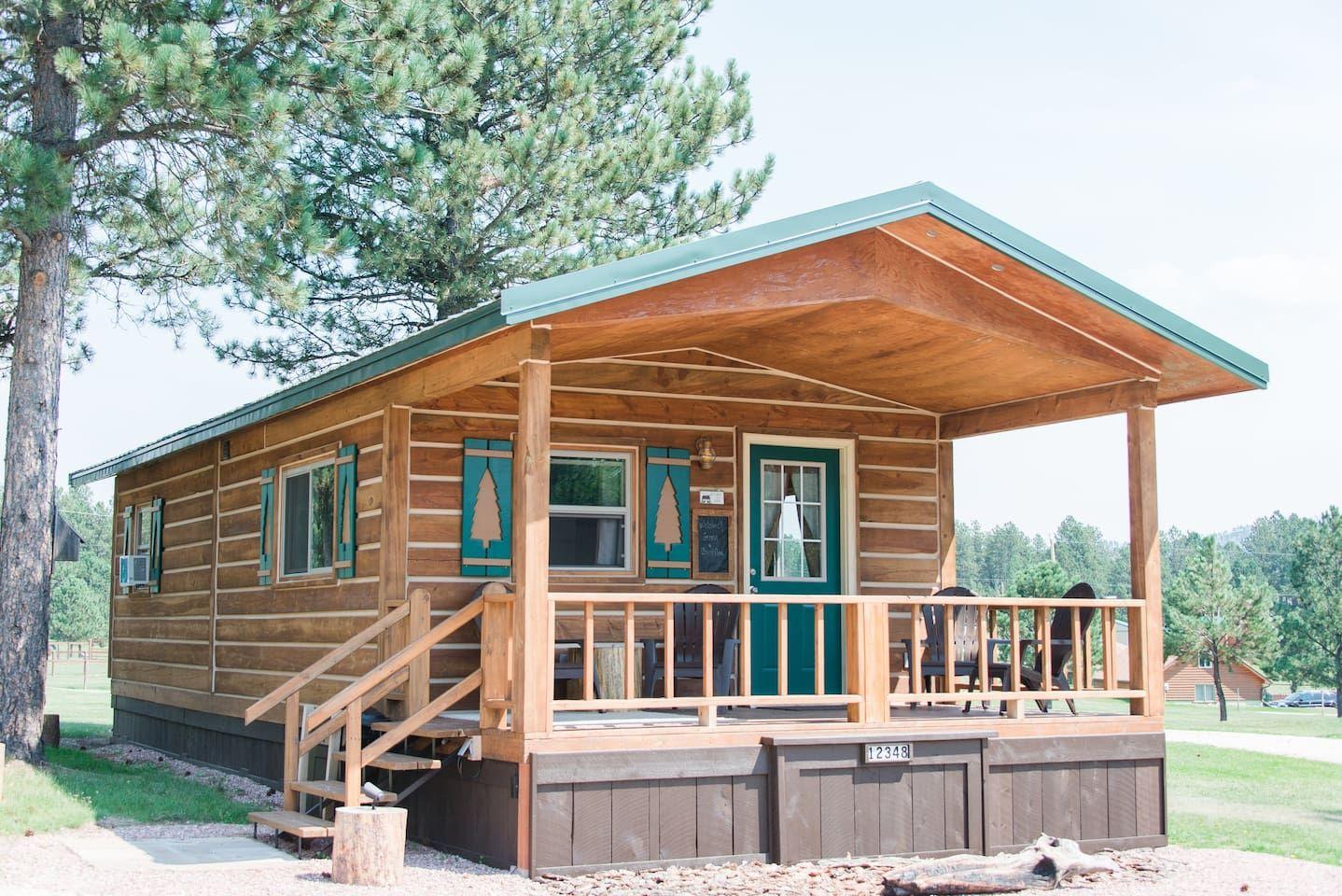The Cabin at Dakota Dream B&BYour own log cabin