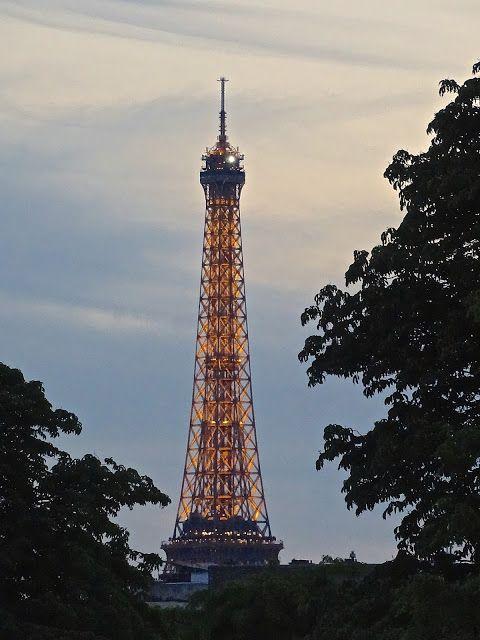 Atrapados por la imagen: Desde loa Jardines del Louvre. Una vista a ...