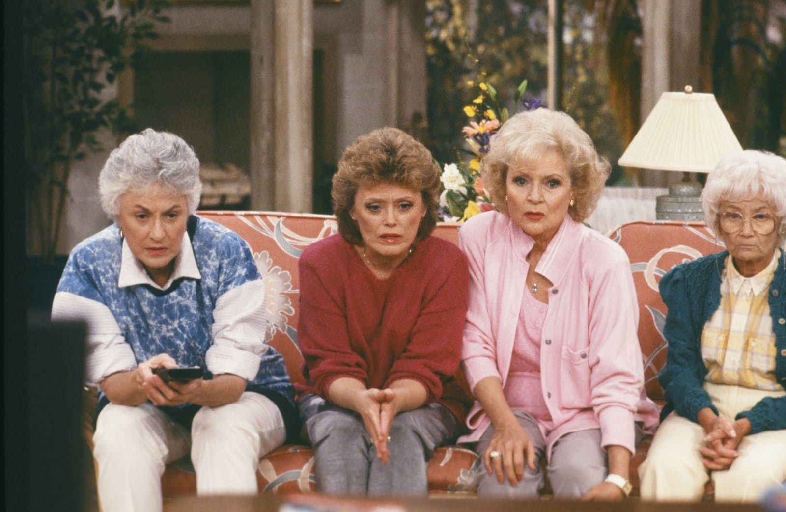 Hulu Is Now Streaming All 7 Seasons Of Golden Girls Golden