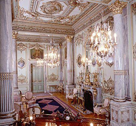 """متحف قصر عابدين.. جولة """"ملكية"""" في قلب القاهرة بالصور"""
