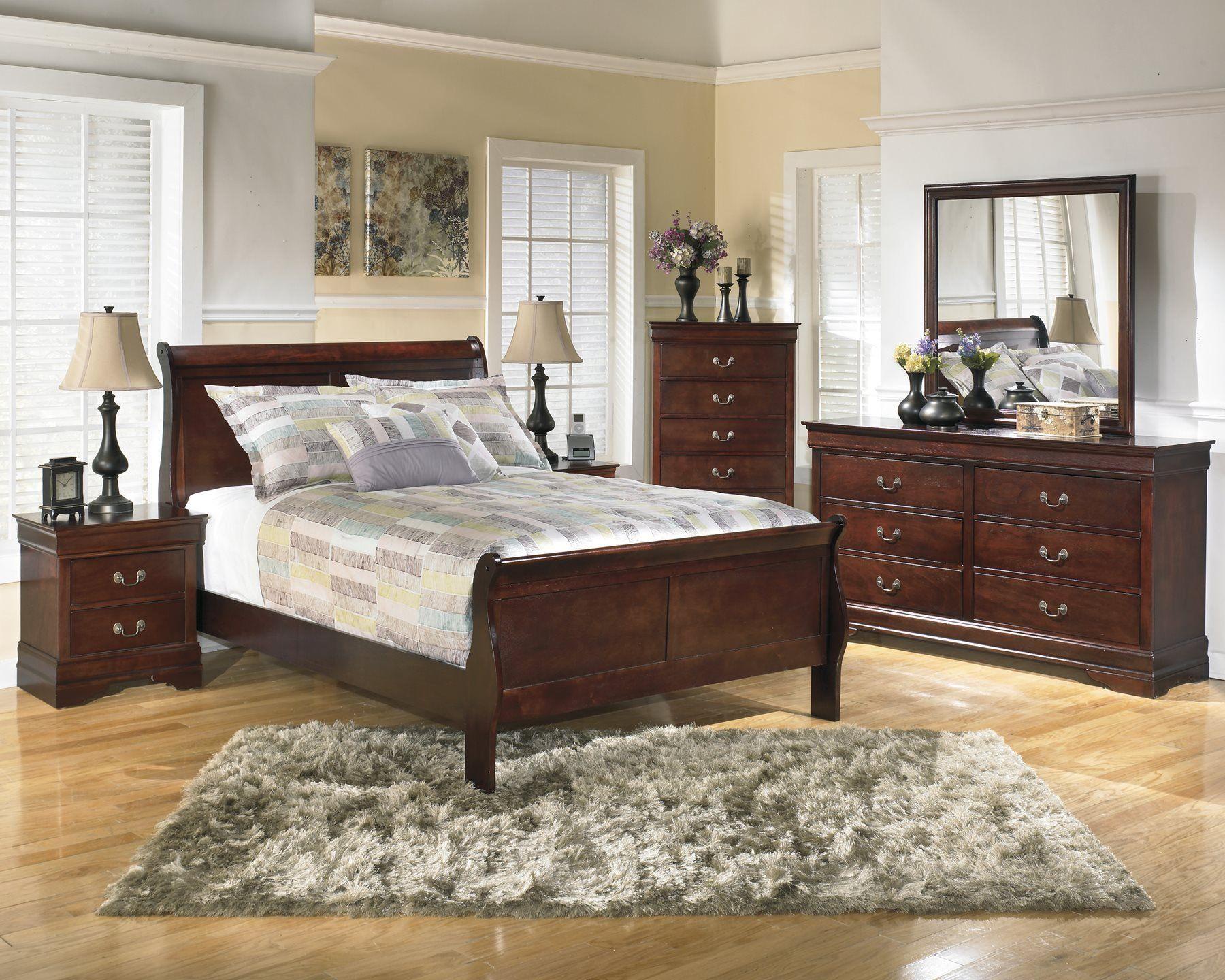 Ashley Alisdair 4pc Bedroom Set Cal King Sleigh Bed One Nightstand