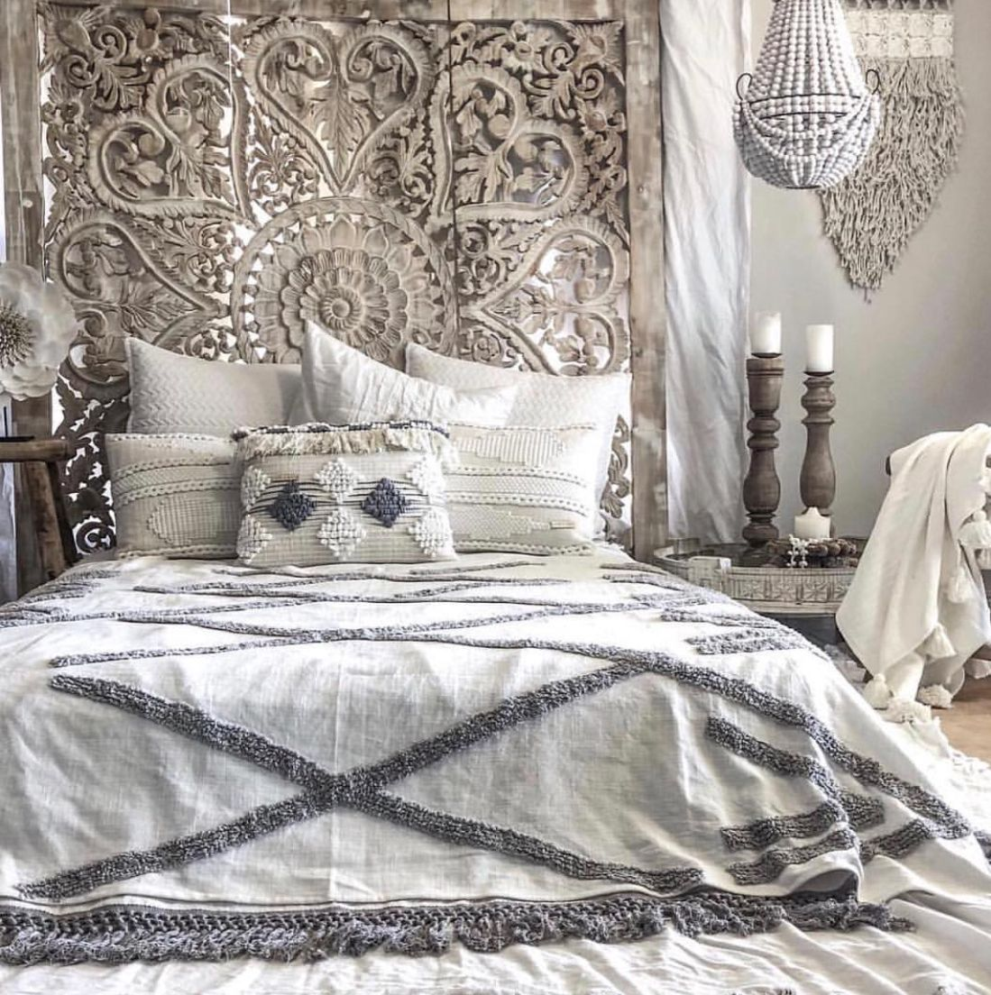 ☁︎┊ 𝙿𝚒𝚗𝚝𝚎𝚛𝚎𝚜𝚝 𝚝𝚑𝚎𝚛𝚒𝚡𝚘𝚡𝚘 🌙 Schlafzimmer design, Bett
