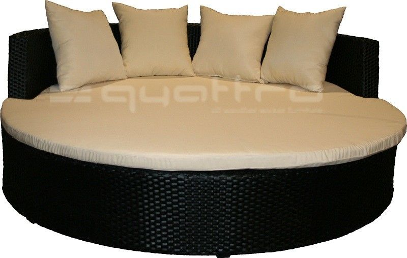 I M In Love With Big Circle Chairs Plenty Of Room To Cuddle Up