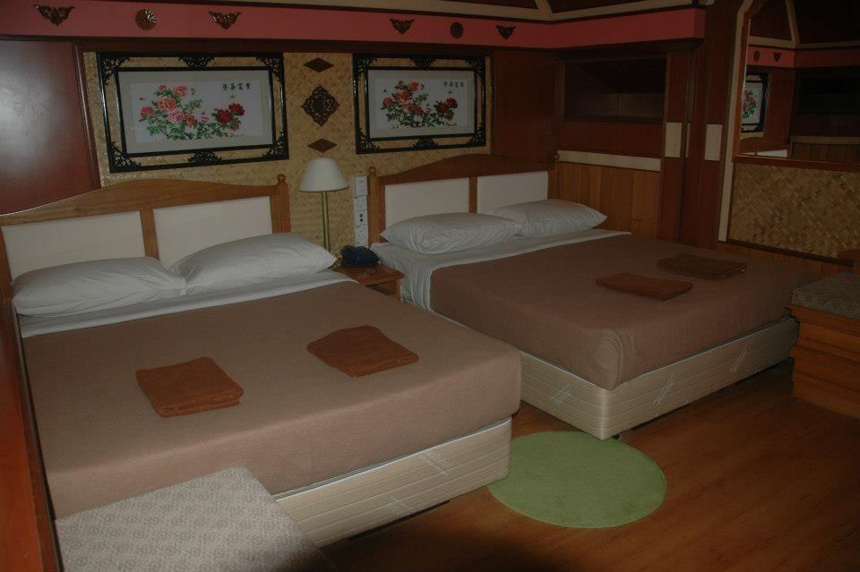 Very nice room at Shari-La Island Resort