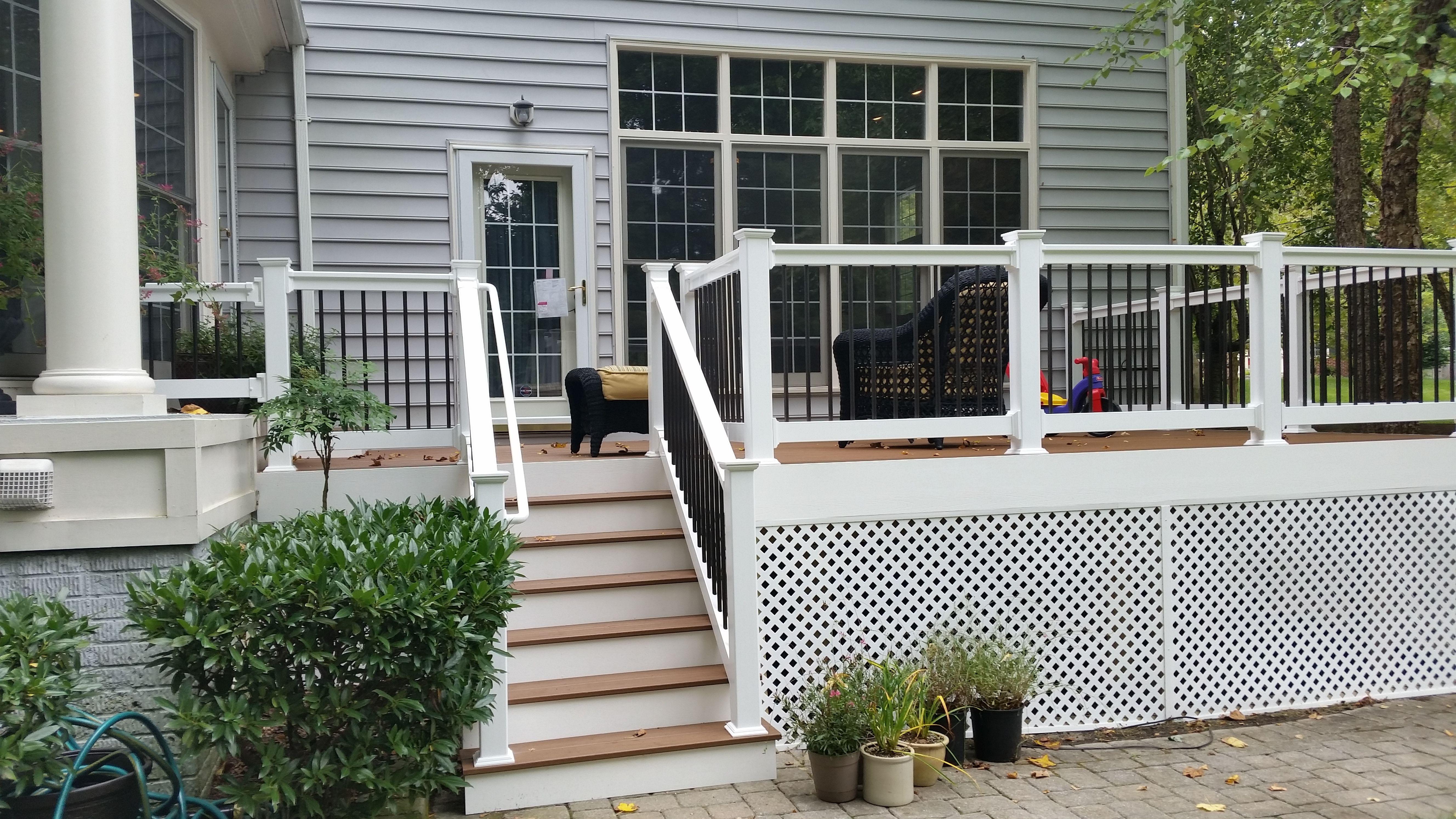 Composite Deck W White Vinyl Handrail White Wrap Round