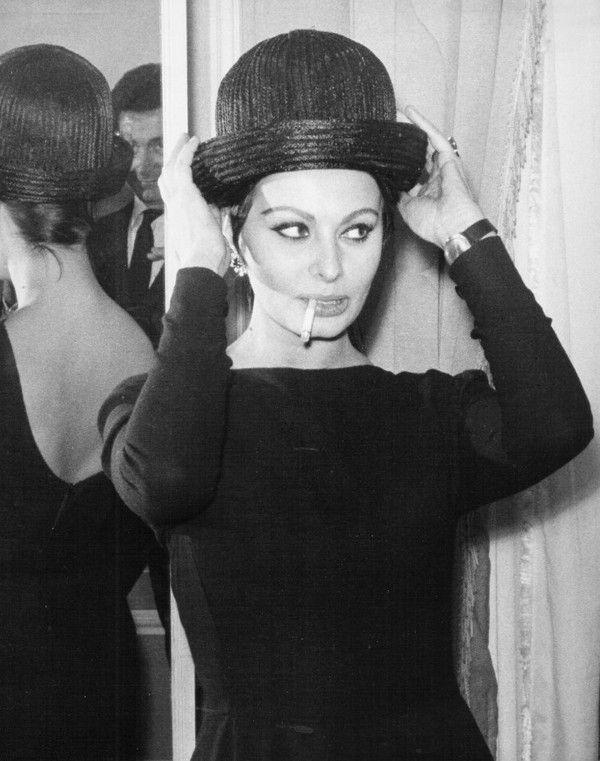 Sofia Loren e seu chapeu
