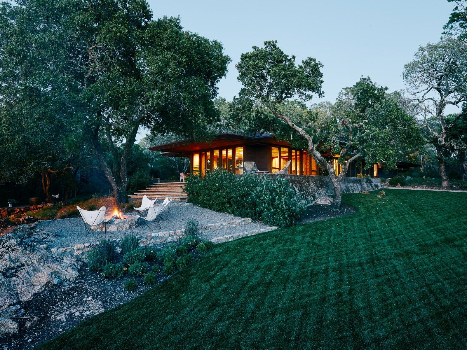 Secluded Modernism Walter Thomas Brooks Petal House Napa Luxury Homes For